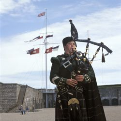 78th Piper with signal mast in background